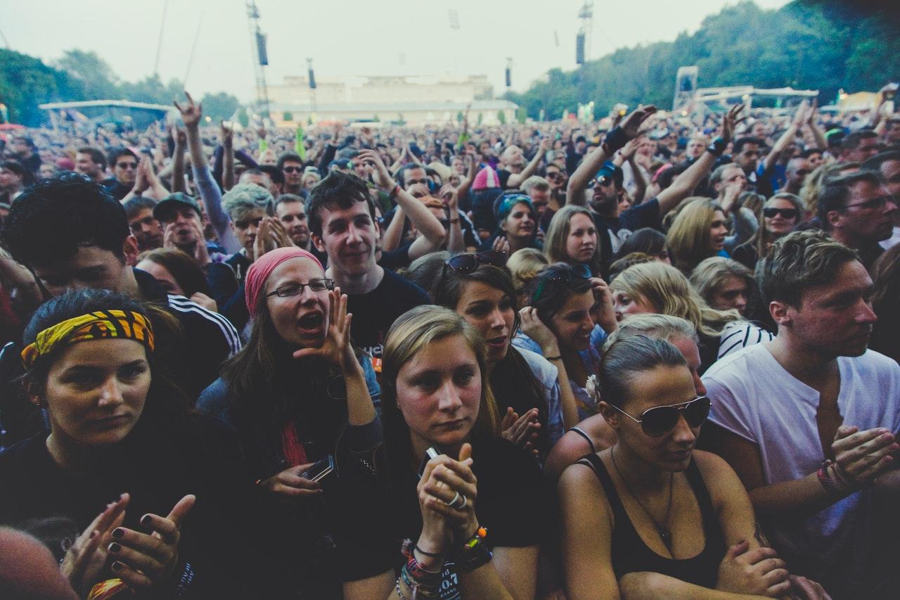 audience-crowd-fans-93490